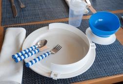 platos y cubiertos adaptados